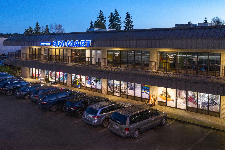 Ski Mart Bellevue store front