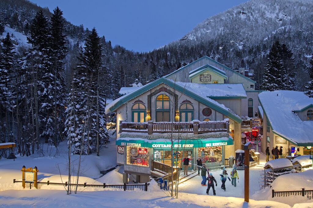 cottams ski and snowboard rental at taos ski valley